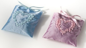 french-lavender_luxe-silk-sachet-gifts